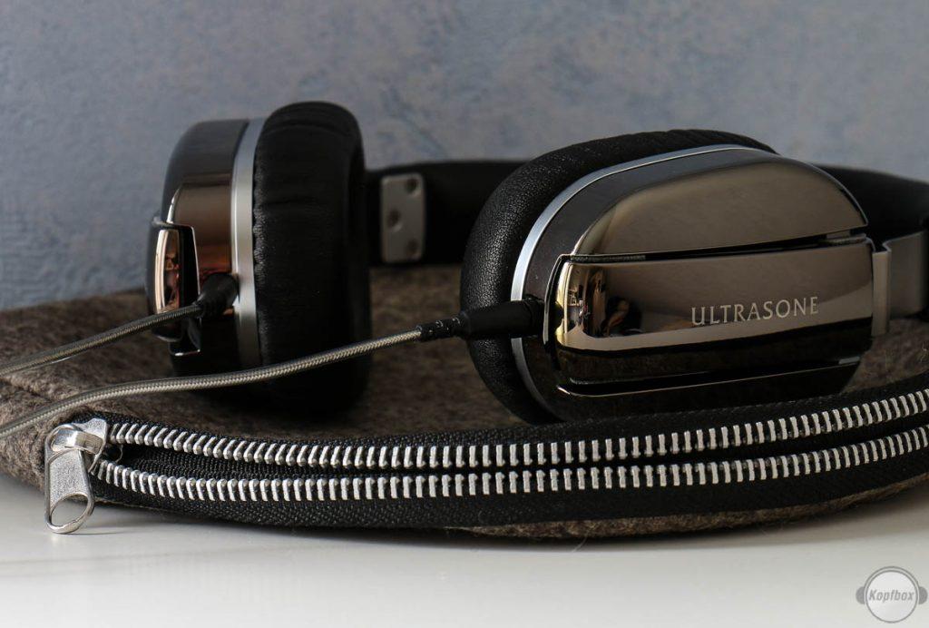Ultrasone Edition M Black Pearl und die Tragetasche